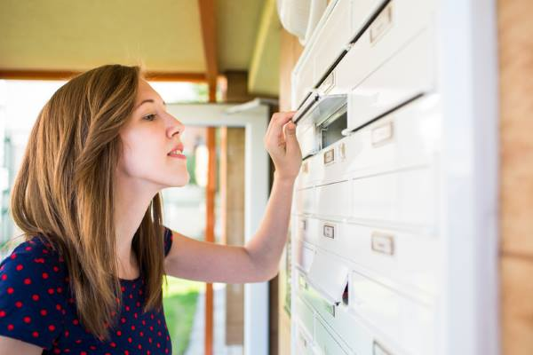 How our responses to direct mail evolve through time