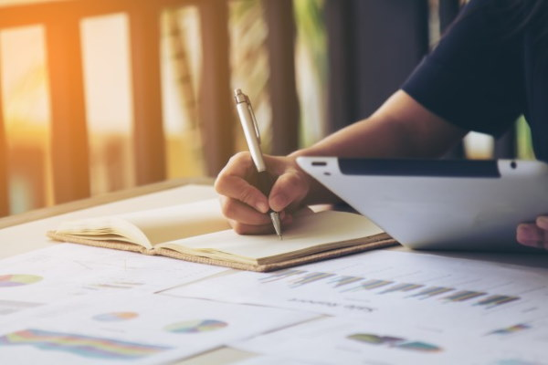 Tips for developing a unique and authentic real estate sales script