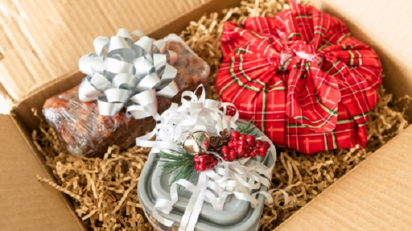 Holiday gifts to keep in touch with your clients